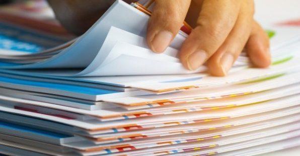Processos manuais prejudicam os negócios, diz estudo.